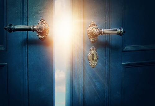 The symbolic meaning of pregnancy dreams: secret doors opening
